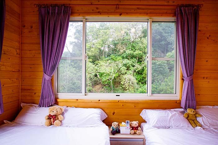 徜徉山林裡溫潤質感的房間